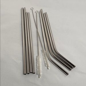 8 metal straws with brushes